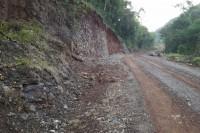 Trecho recebeu alargamento devido ao desmoronamento ocasionado pelas fortes chuvas