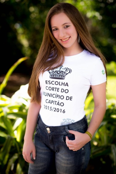 Débora de Souza - 17 anos